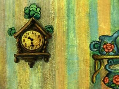 Часы висят рядом с умывальником.