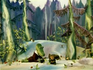 Чебурашка и Гена собирают землянику