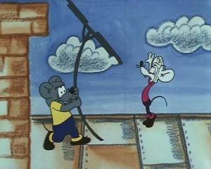 Сами мыши на крыше, антенна и труба